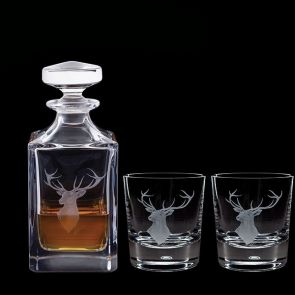 Engraved Game Red Stag Decanter & A Pair Of Engraved Red Stag Tumblers